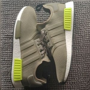 New men's Adidas nmd R1